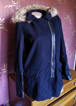 Чёрное женское пальто косуха с капюшоном atmosphere