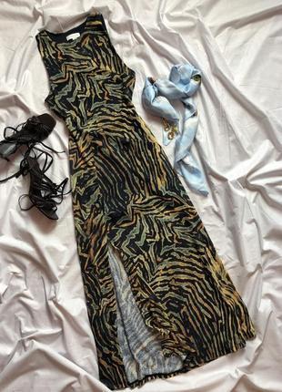 Легкое летнее платье с разрезом в разноцветный принт зебра topshop