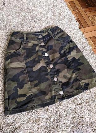 Джинсовая юбка на заклёпках bershka s,m/хаки/камуфляж/милитари/юбочка на высокой посадке/спідниця