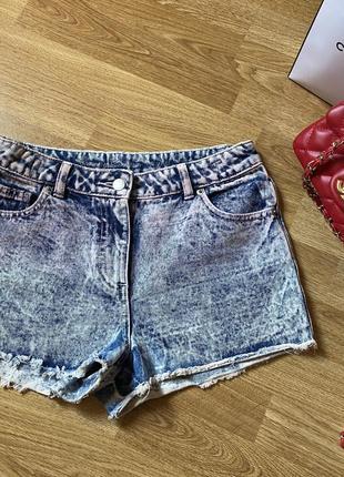 Шорты короткие джинсовые с необработанным краем, бахрома