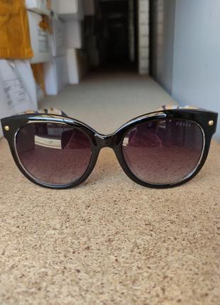 Солнцезащитные очки  prada экслюзив