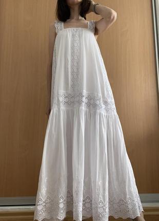 Белое невесомое платье
