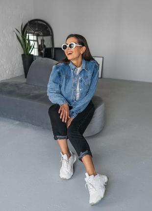 Синяя джинсовая женская джинсовая укороченная курточка джинс5 фото