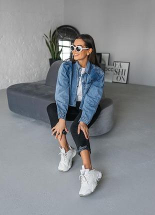 Синяя джинсовая женская джинсовая укороченная курточка джинс7 фото