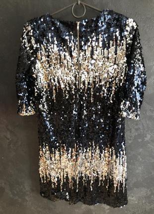 Шикарное платье в паетках