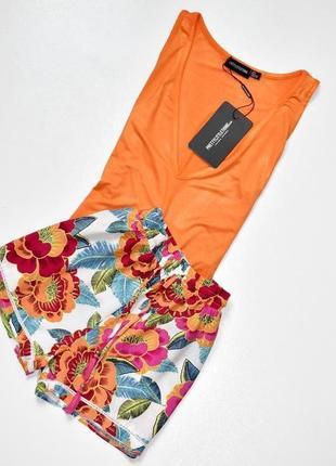 New look летние яркие вискозные шорты в цветочный принт. м.10.38