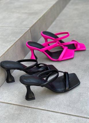 Шлёпанцы женские, квадратный носок
