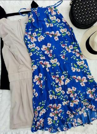 Шикарное платье с чокером и рюшами цветочный принт