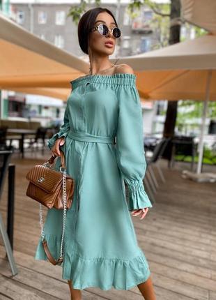 Стильное платье базовое миди с открытыми плечами с поясом  из льна льняное оливка