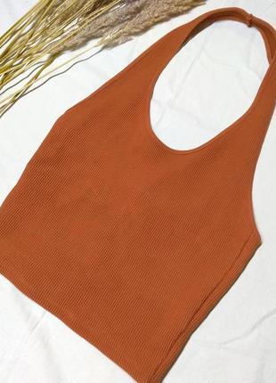 Топ терракотового цвета на шею