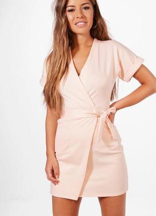 Новое с биркой платье трикотажное на запах boohoo размер xs
