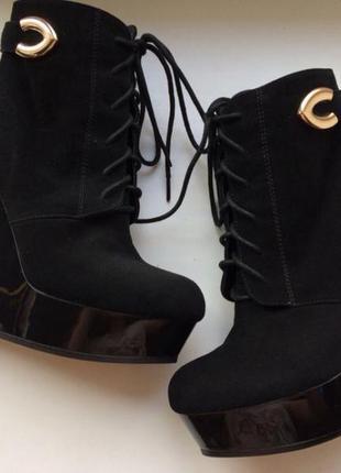 Ботильоны ботинки сапоги glossi