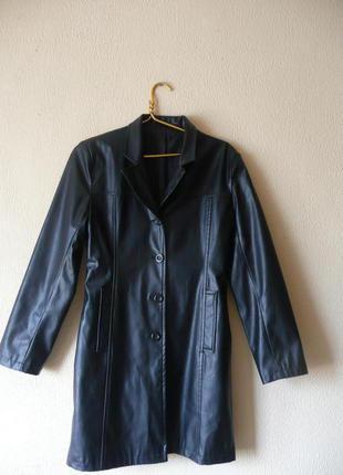 Черное кожаное пальто плащ средней длины до колен h&m