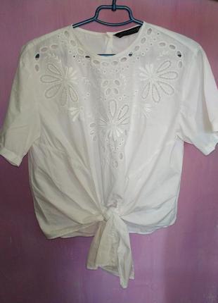Белая блуза zara с пуговицами сзади
