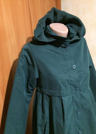Обалденное утеплённое пальто.9-10 лет
