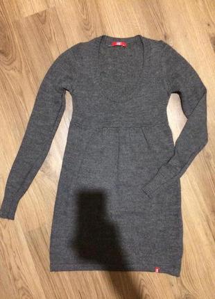 Тёплое фирменное платье.10-12 лет