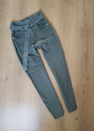 Джинсы, штаны с высокой посадкой и поясом  от bershka