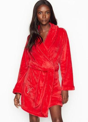 Женский красный короткий халат виктория сикрет victoria's secret