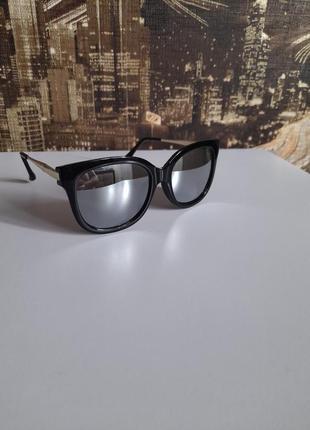 Солнцезащитние очки зеркала