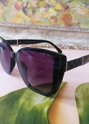 Эксклюзивные брендовые чёрные солнцезащитные женские очки лисички