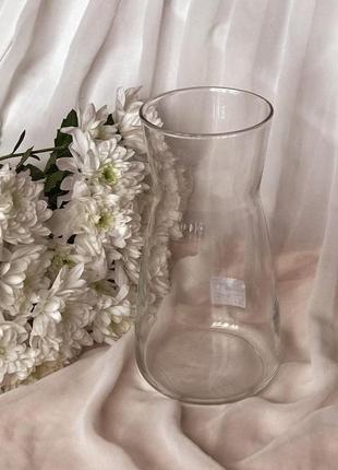 Прозора ваза для квітів