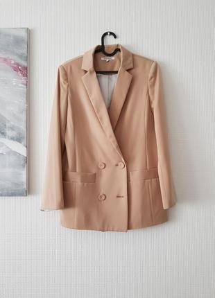 Двубортный пиджак, жакет, блейзер,  кэмел, беж