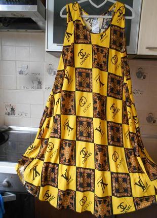 Новое  штапельное платье супербатал с модным принтом