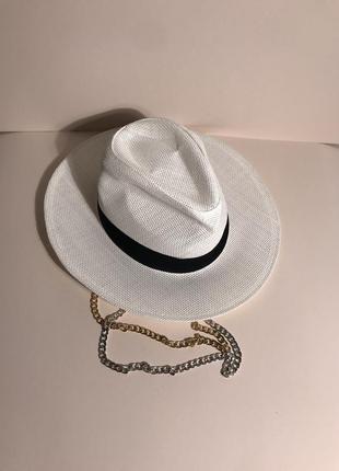 Шляпа с цепью