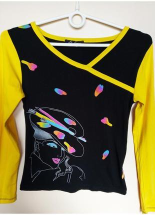 Красивая женская трикотажная футболка с длинным рукавом в принт с v-образным вырезом кофточка жіноча