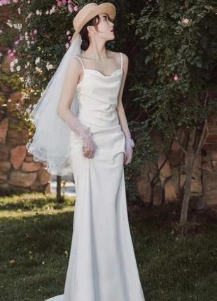 Свадебное платья атласное