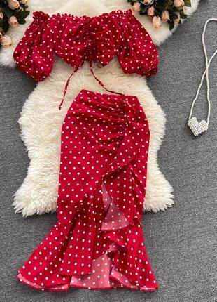 Красный костюм в горошек с юбкой рыбка, летний костюм на высокую талию топ + юбка с рюшами