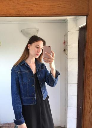 Укороченная джинсовка куртка джинсовая