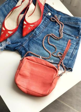 Кожаная сумка с длинной цепочкой шлейкой zara