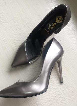 Туфли лодочки очень классные и удобные р.40