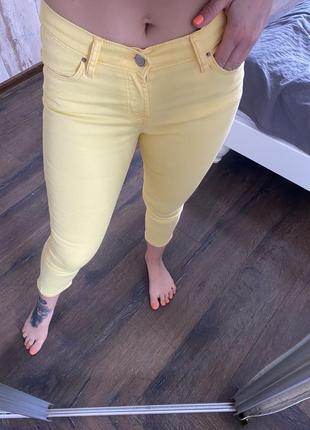 Желтые скинни