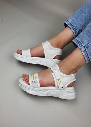 Очень удобные женские текстильные босоножки сандалии на платформе, белые