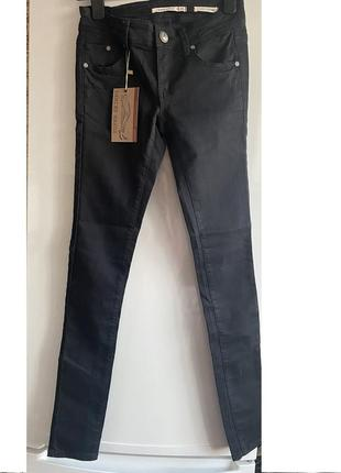 Черные джинсы  скинни zara jennyfer xs s