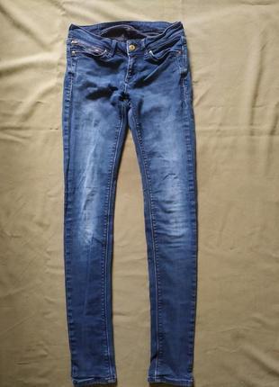 Брендовый джинсы