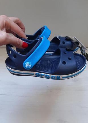 Оригинал crocs удобнейшие сандали босоножки синие crocs bayaband sandal kid's кроксы