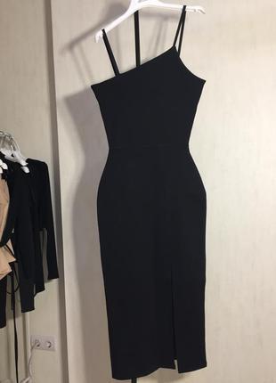Элегантное платье с разрезом2 фото
