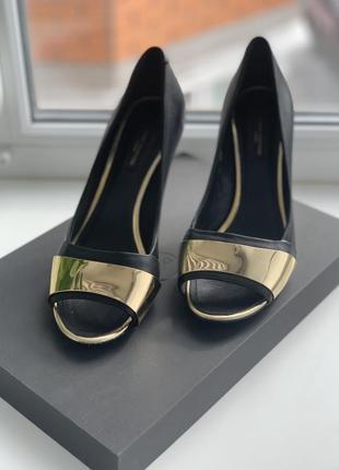 Летние женские туфли луи витттон с открытым носком жіноче взуття