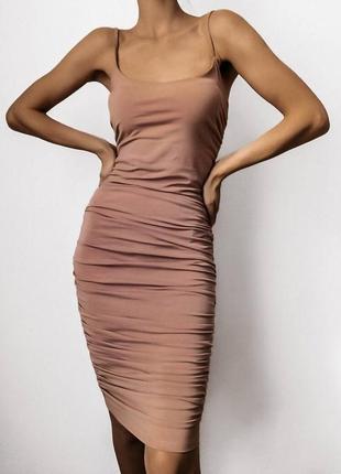 Платье в обтяжку по фигуре3 фото