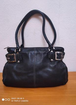 Черная сумка натуральная кожа bergamo