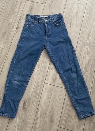 Mom джинсы stradivarius
