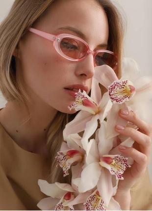 Тренд розовые очки солнцезащитные узкие овальные ретро окуляри сонцезахисні рожеві
