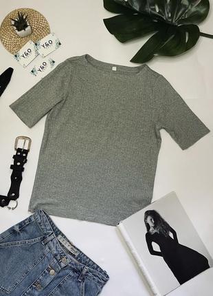 Трендовая футболка топ в идеальном состоянии от 🖤 uniqlo 🖤