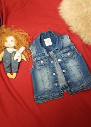 Детская джинсовая жилетка 3-4года