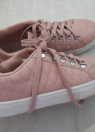 Кеды, кроссовки, ботинки.