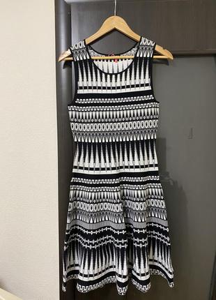 Платье новое фирменное
