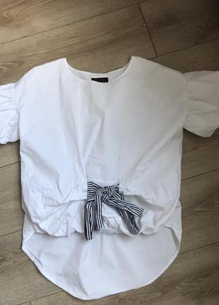 Нарядна футболка-блуза з пишними рукавами